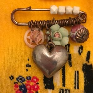 Jewelry - Vintage Bobby Pin Brooch Heart and Flower
